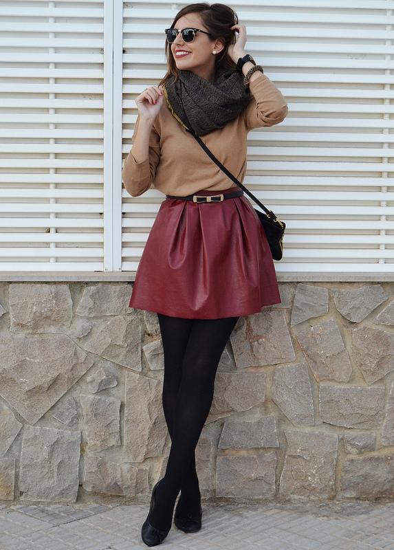 bf3ff3fbd4a Mikina do vínové sukně. Maroonová sukně - výběr skutečných dám.