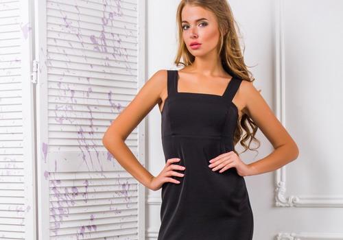 d68a1c2c291 Model malého černého oblečení pro ženy